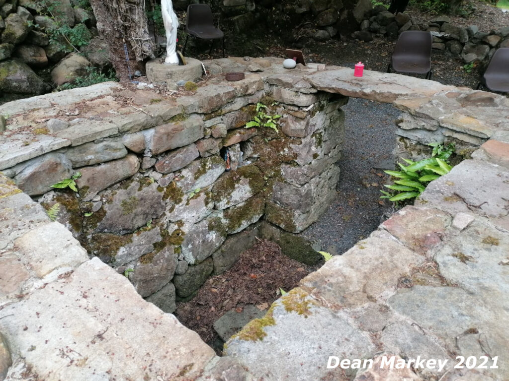 Holy Well in Tobar